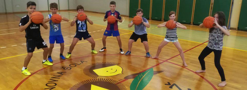 Rastemo s športom – košarka (3. skupina) in rokomet