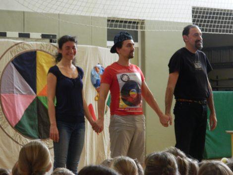 Predstava Šolski vrtiljak v izvedbi Ekološko-kulturnega  društva Za boljši svet